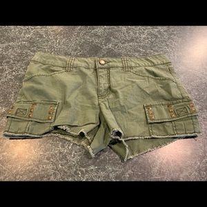 Women's No Boundaries Olive Shorts Size 13